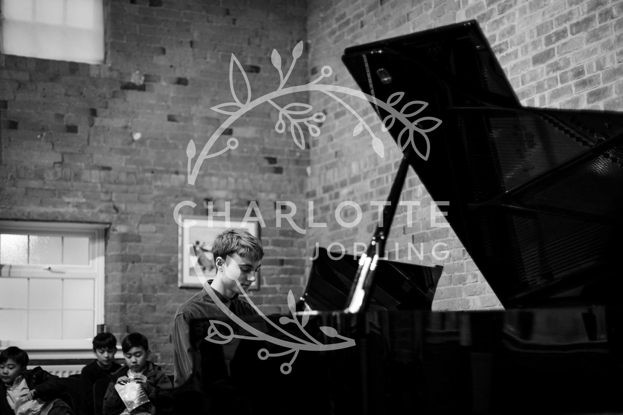 Stepping-Stones-Voicebox-Concert-2018-by-Charlotte-Jopling-79.jpg