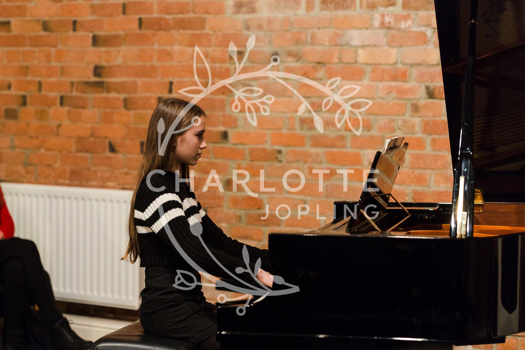 Stepping-Stones-Voicebox-Concert-2018-by-Charlotte-Jopling-88.jpg