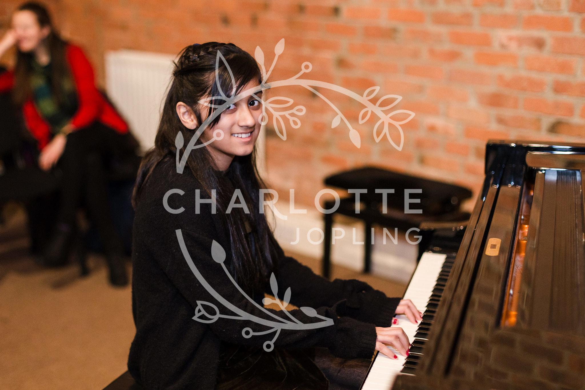 Stepping-Stones-Voicebox-Concert-2018-by-Charlotte-Jopling-110.jpg
