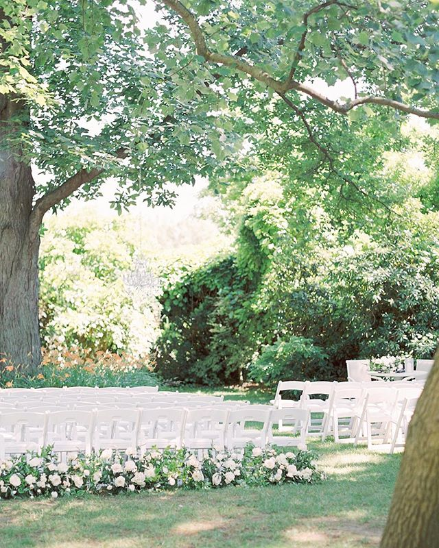 One of the prettiest ceremony spots is definitely under the gorgeous trees at Kurtz Orchards! 😍 Name your dream venue in the comments below, I'd love to know! ⠀⠀⠀⠀⠀⠀⠀⠀⠀ I had the pleasure of assisting @katienicollephotography the past summer and this was such a beautiful day through and through! 🙌 ⠀⠀⠀⠀⠀⠀⠀⠀⠀ Planner: @shaw_events  Florals: @fleurishdesignstudio  Main Photographer: @katienicollephotography  Venue: @kurtzorchardsweddings  Decor: @simplybeautifuldecor @warehouse_84 ⠀⠀⠀⠀⠀⠀⠀⠀⠀ #kurtzorchards #kurtzorchardswedding #fineartwedding #chandelier #ceremony #ceremonydecor #niagaraonthelake #niagaraonthelakewedding #gracewoodestate #gracewoodestatewedding