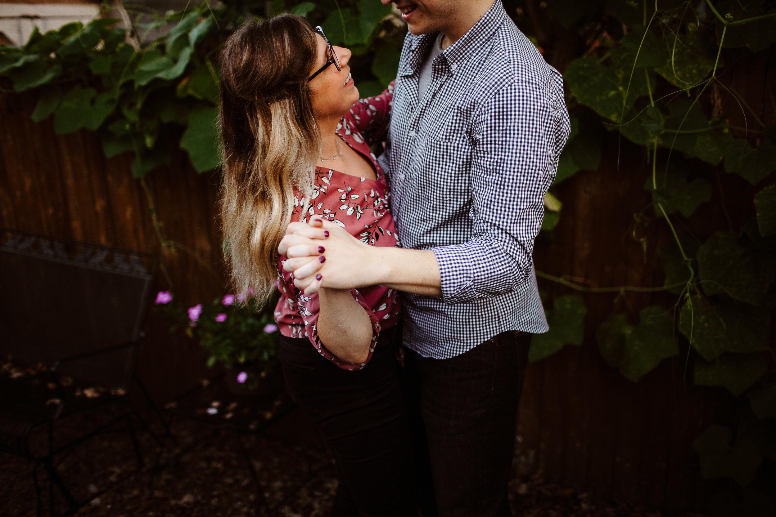 105 Laura & John Engagement - 20180919.jpg