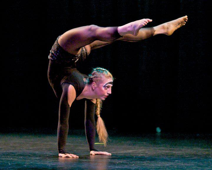 circus - contortion handstand.jpg
