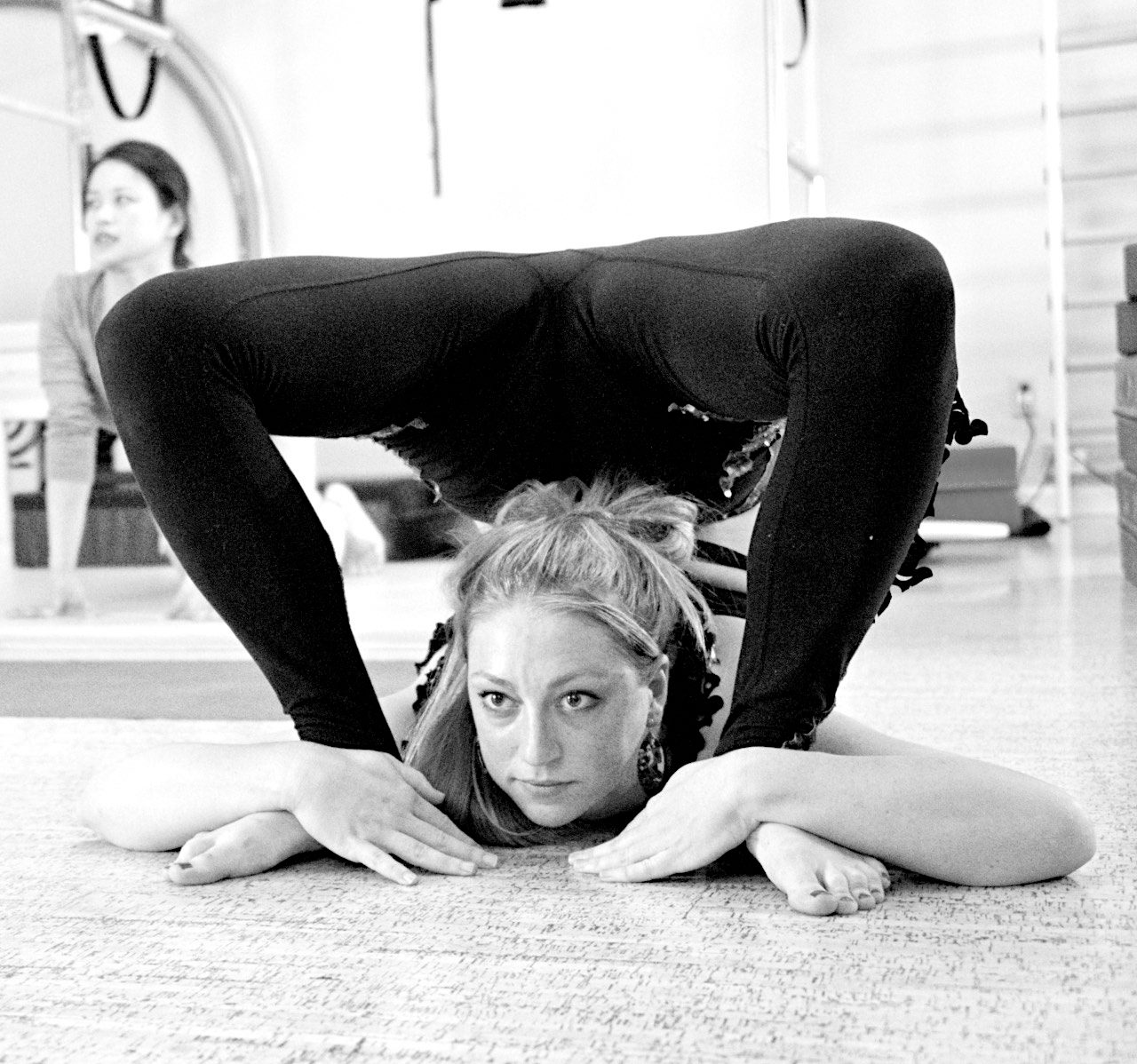 aryn contortion pretzel.jpg