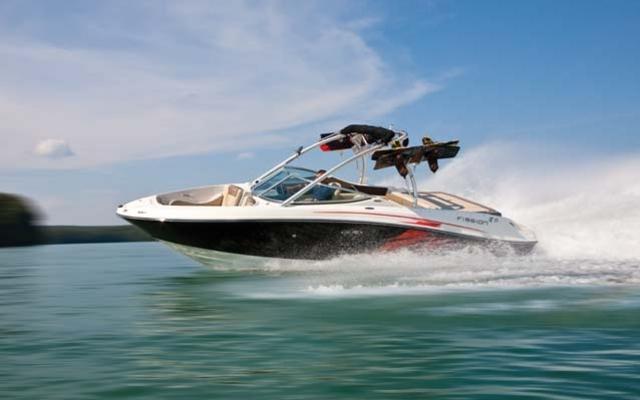 30842_2012_sea_ray_Sport_Boats_230_SLX.jpg