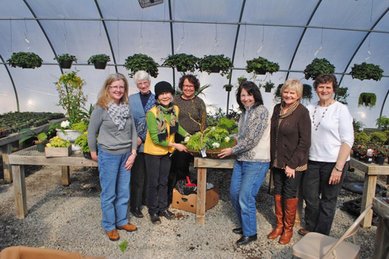 [Garden Group with master gardener Midori (wearing hat) at Ivy Nursery]