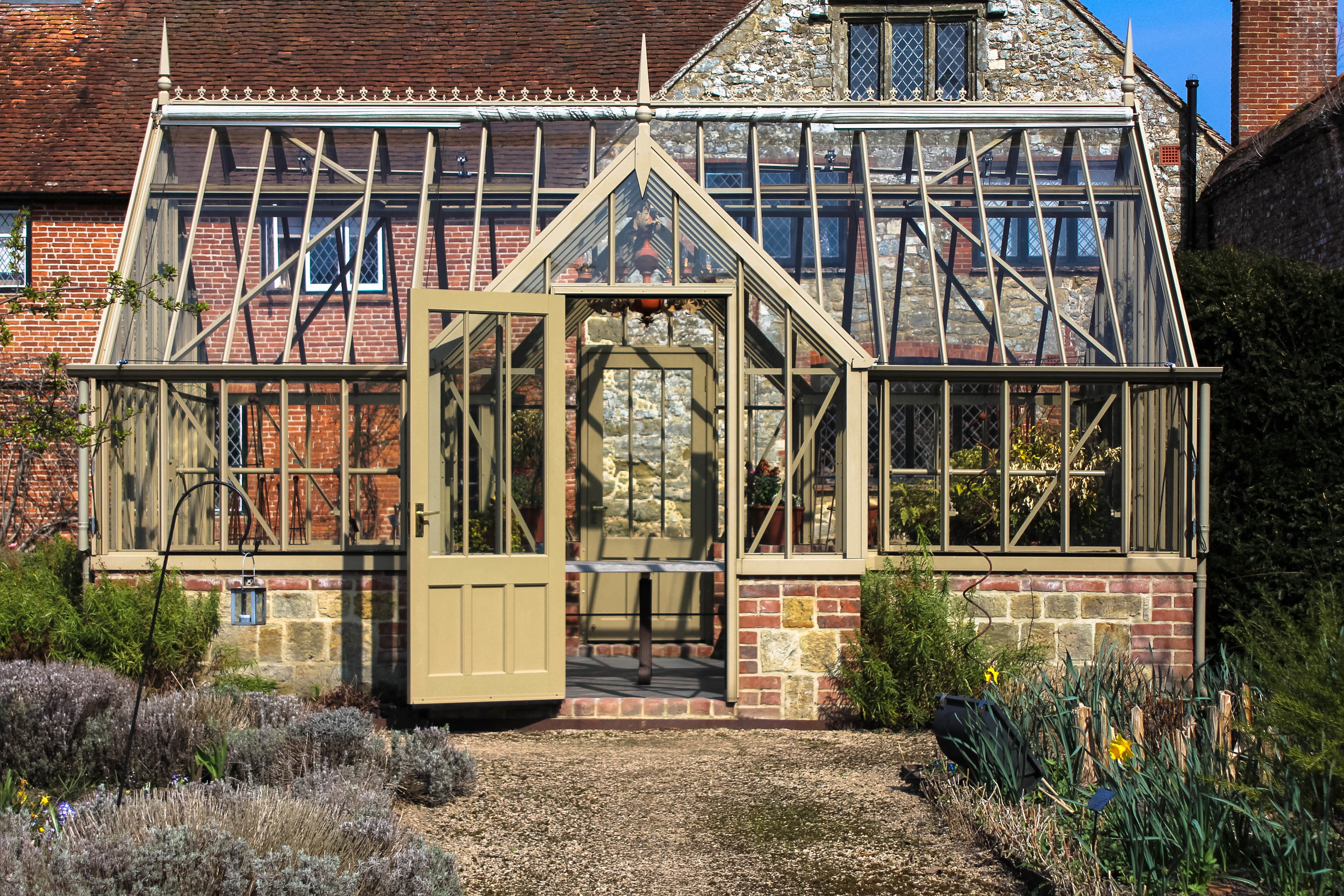 Cowdray Walled Garden  Second   Shooter  :    RTD
