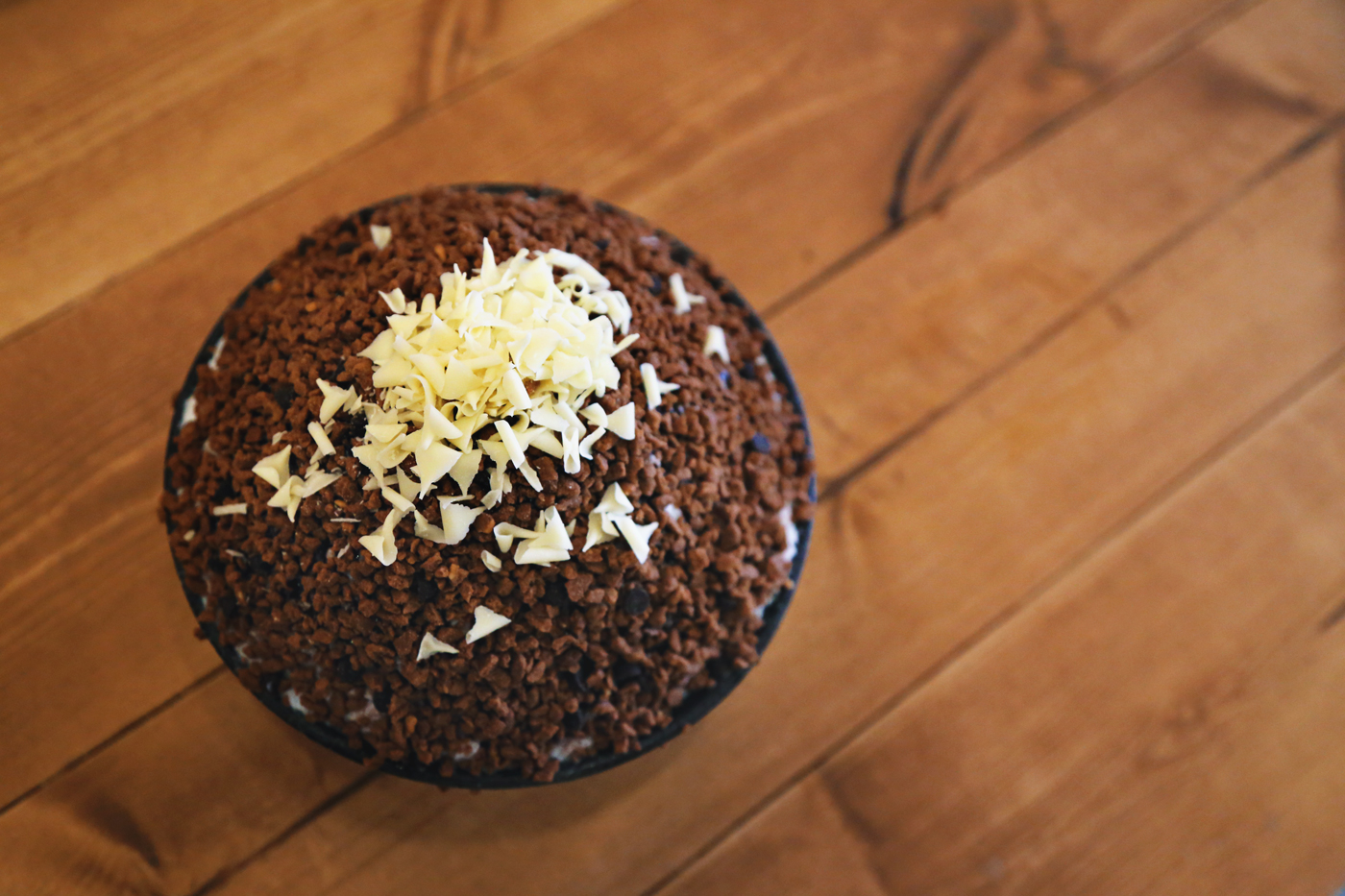 Patmiok's (팥미옥) version of chocolate snowflake bingsu (초코 눈꽃빙수).