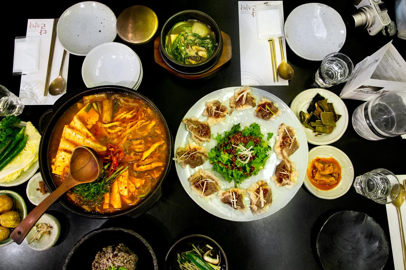 Seoul Restaurant Series:Dal Sik Tak (달식탁), Garosu-gil (가로수길), Sinsa-dong (신사동), Seoul, South Korea.