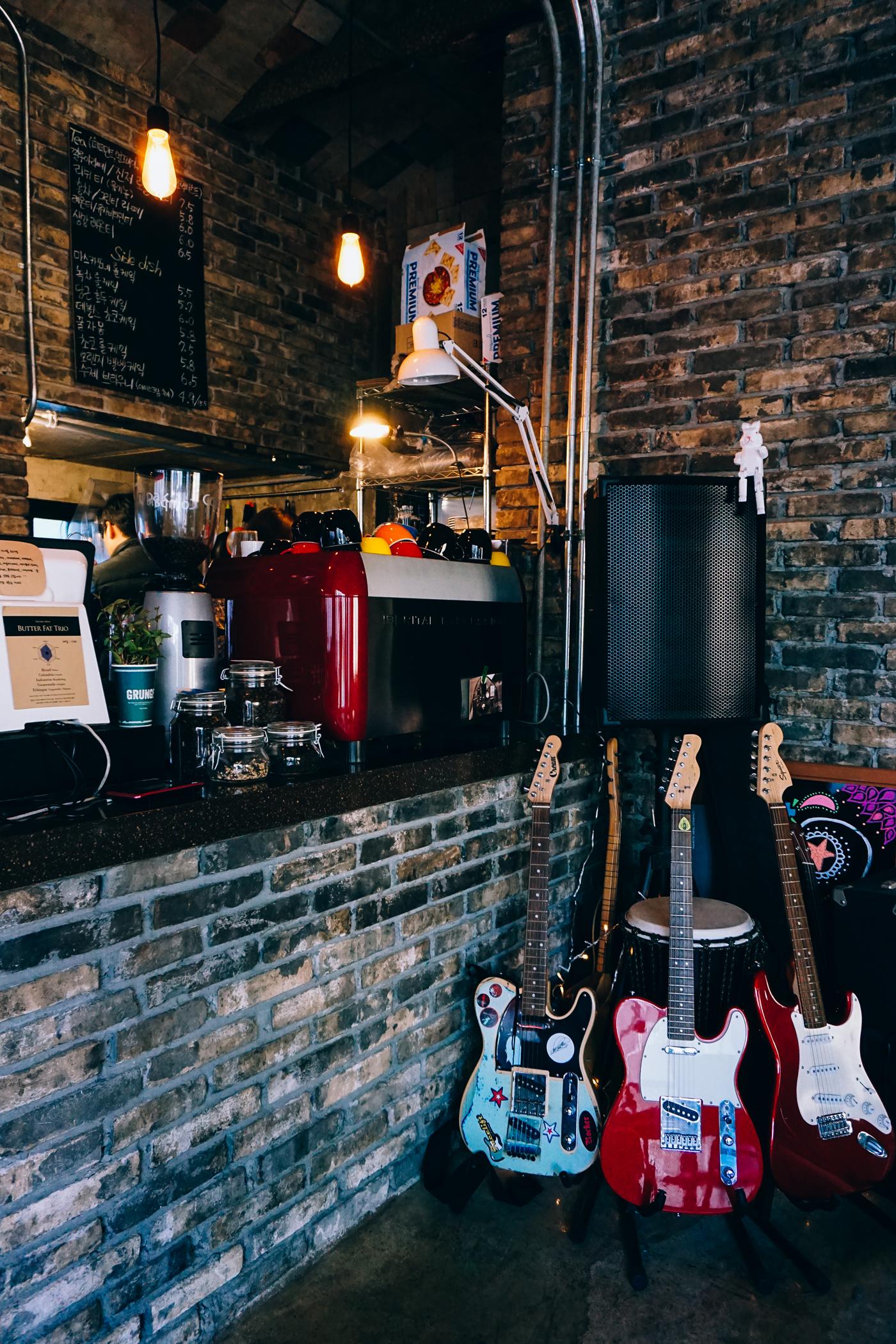 GrungeCafe03.jpg