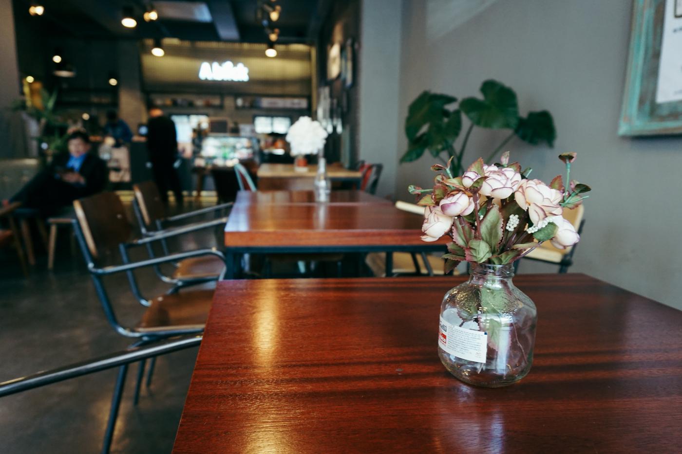 Seoul Cafe Series:A.blick (에이블릭),Seogyodong (서교동), Seoul, South Korea.