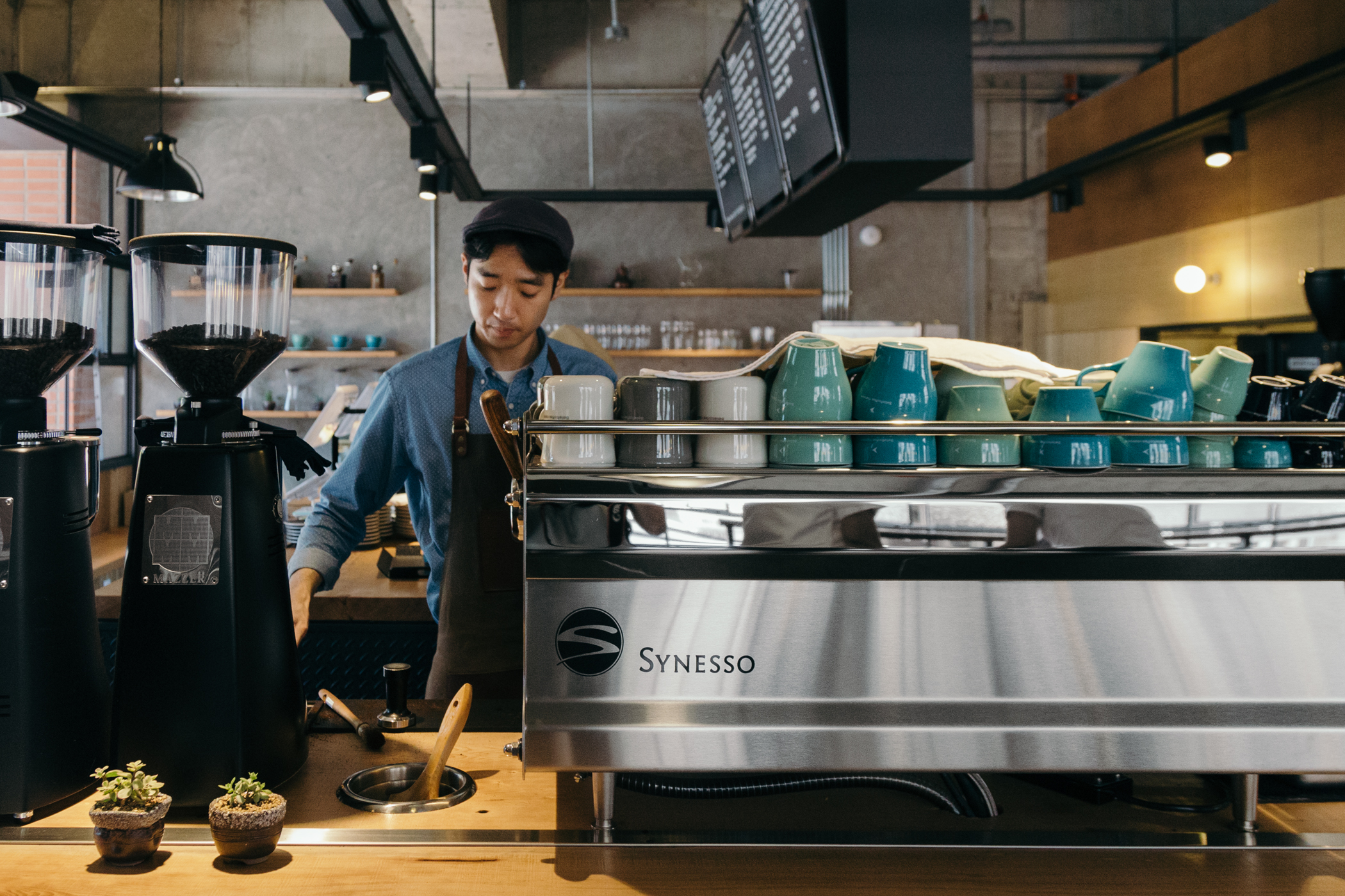 Grey Suitcase Seoul Cafe Series: Beliefcoffee Roasters (빌리프커피 로스터스), Seoul, South Korea.