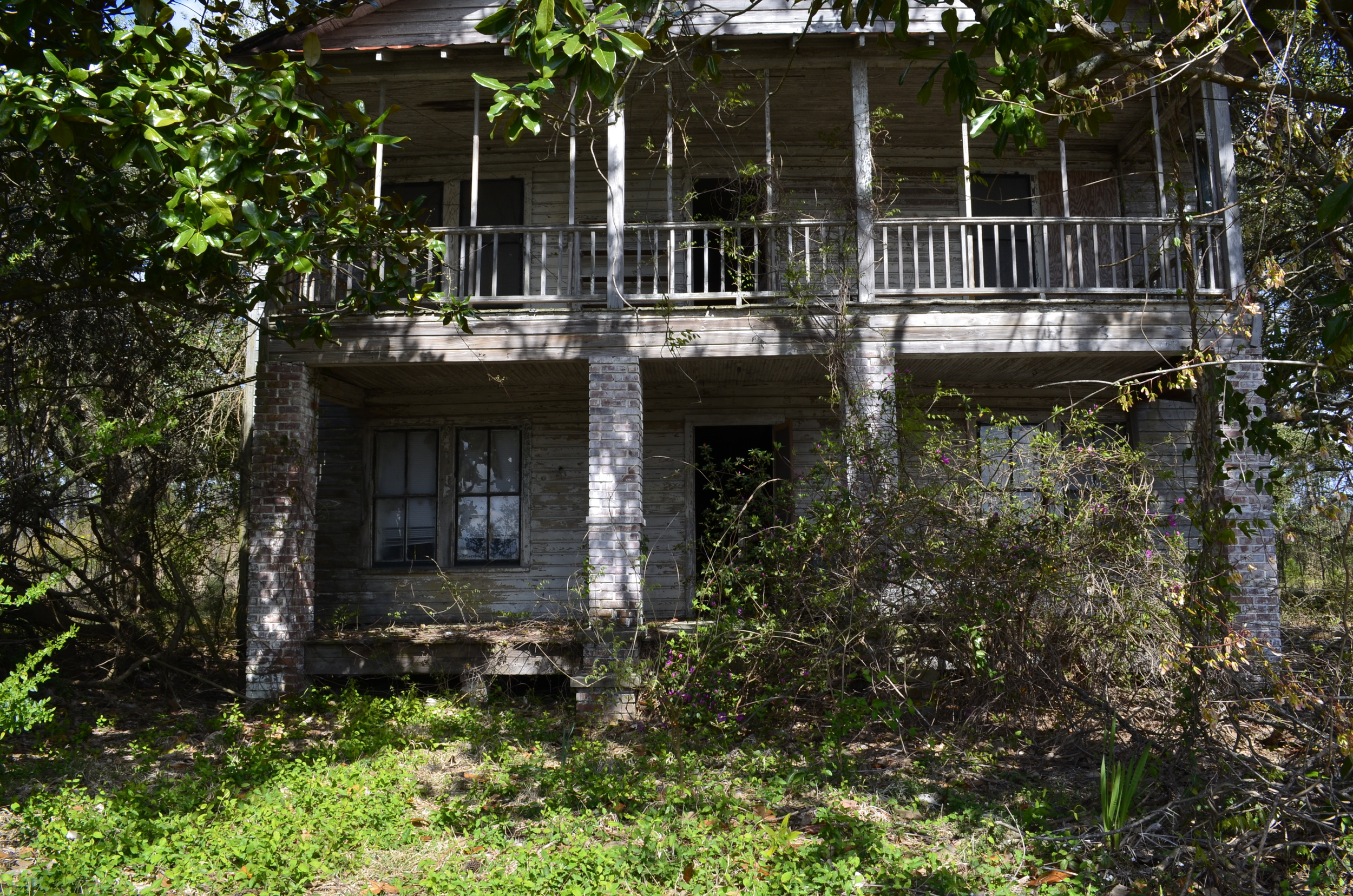 The exterior of the abandoned house. (unedited)
