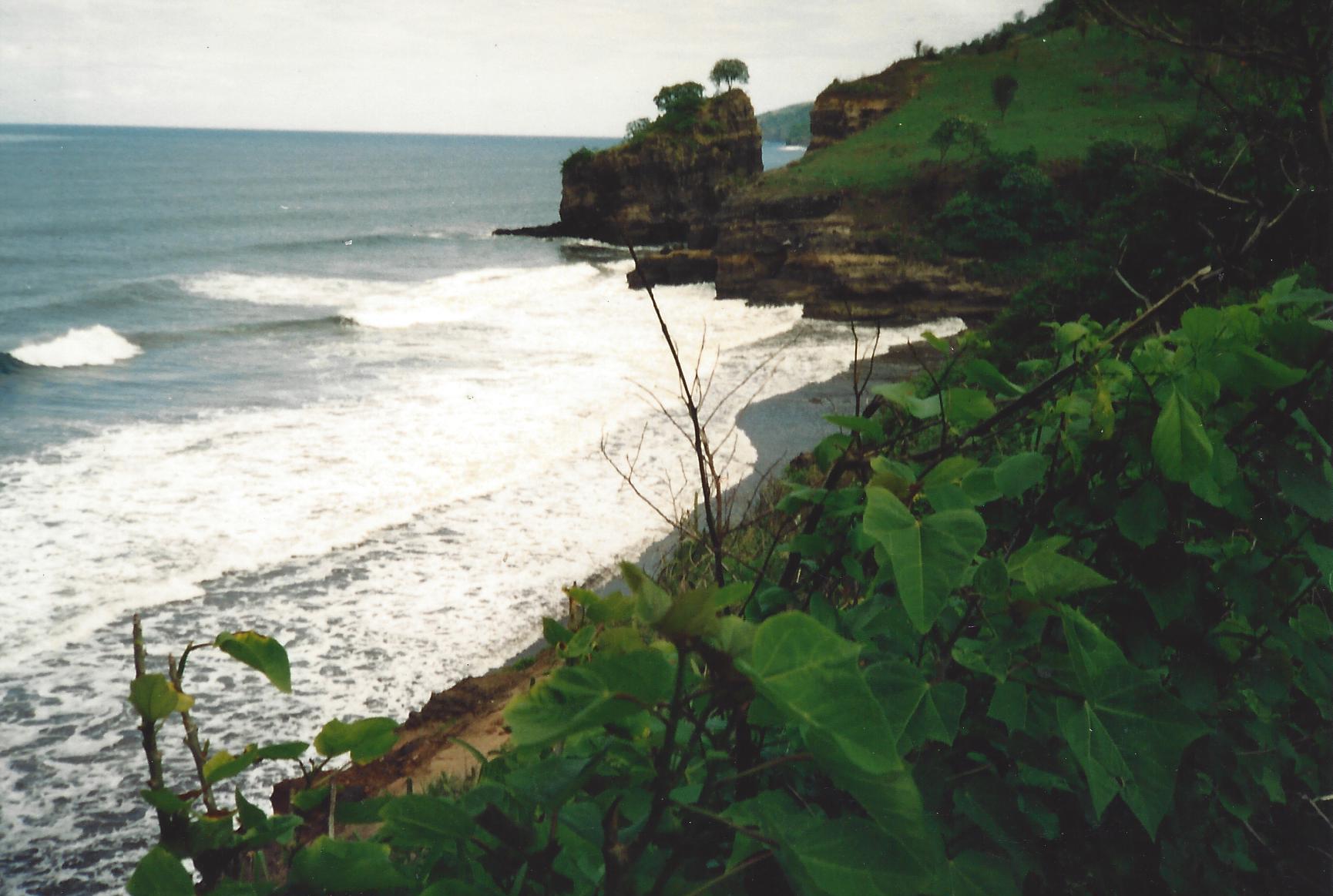 ElSalvador_Cliff.jpg