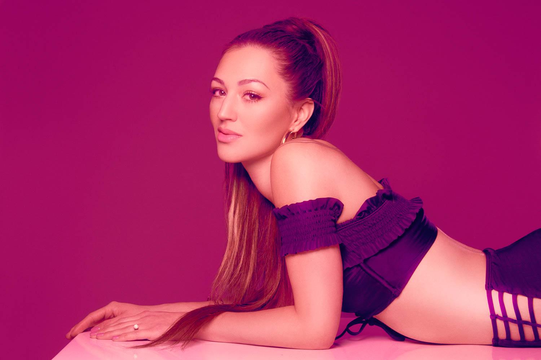 Hot pink Ariana Grande inspired boudoir photography in Anchorage, Alaska