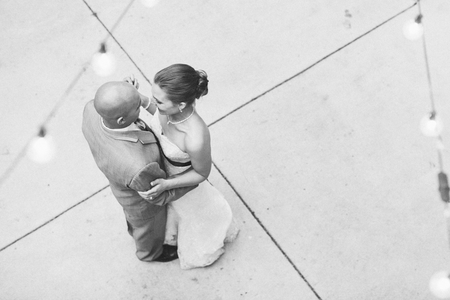 linnea-paulina--oregon-film-wedding-photographer-first-dance.jpg