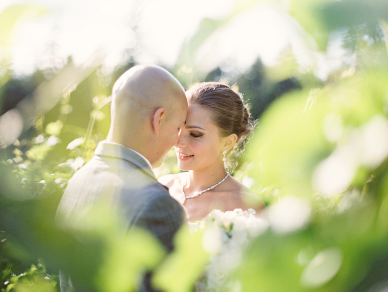 linnea-paulina-film-wedding-photographer-oregon-vineyard001-19.jpg