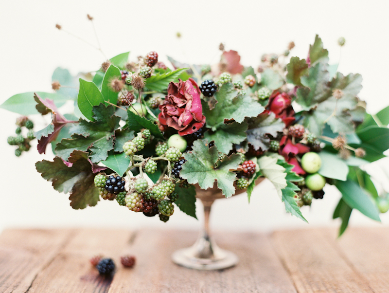 linnea-paulina-photography-blackberry-oregon-film-summer-wedding-flower-arrangement.jpg