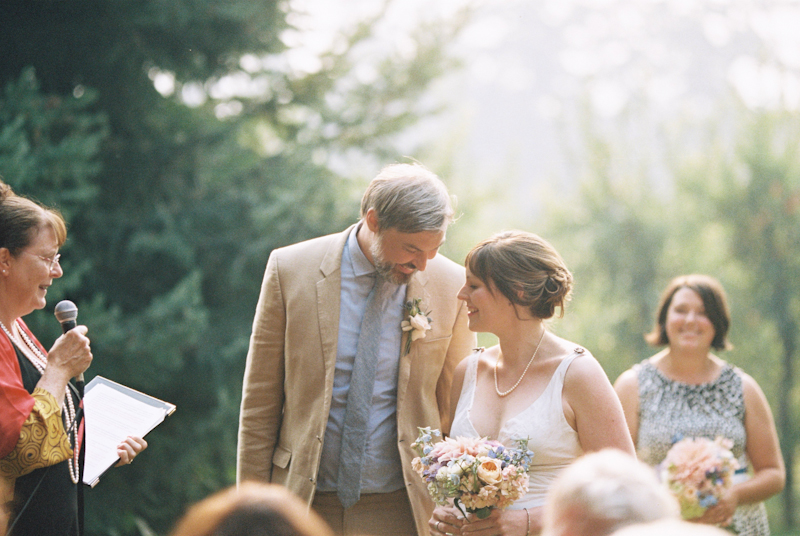 mt-hood-organic-farm-wedding-film-021.jpg