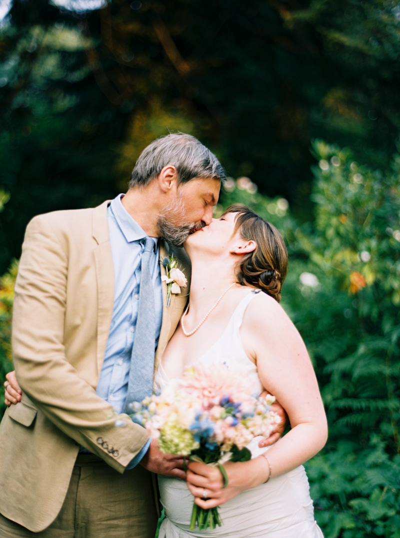 mt-hood-organic-farm-wedding-film-035.jpg