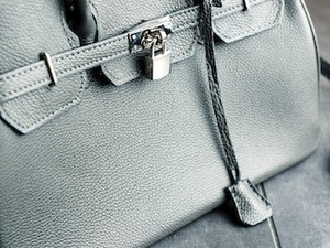 Your Purse is as Germy as a Toilet | Women's Health