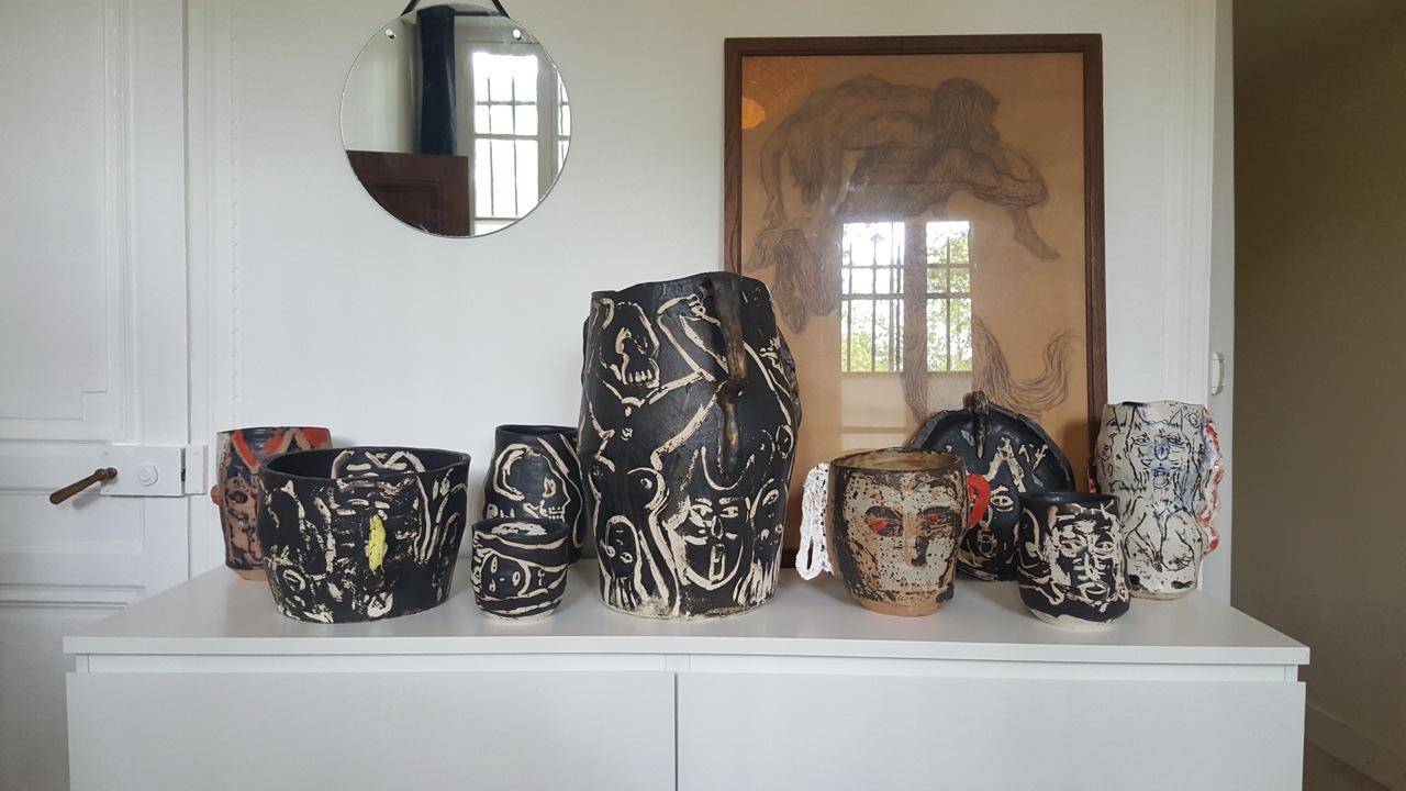 Céramiques de l'artiste Roger Herman réalisées à la Résidence.