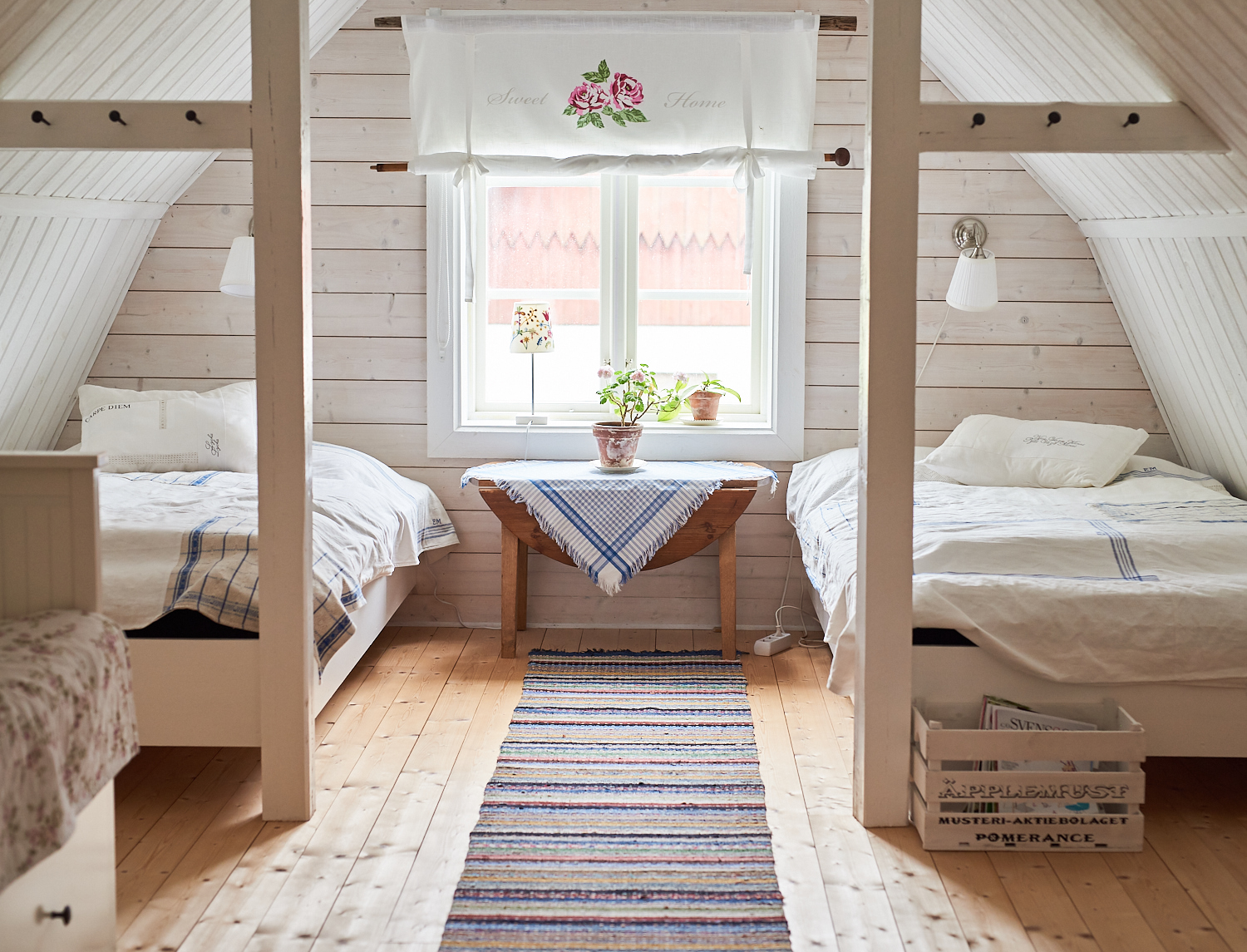 swedish rug bedroom 0.jpg