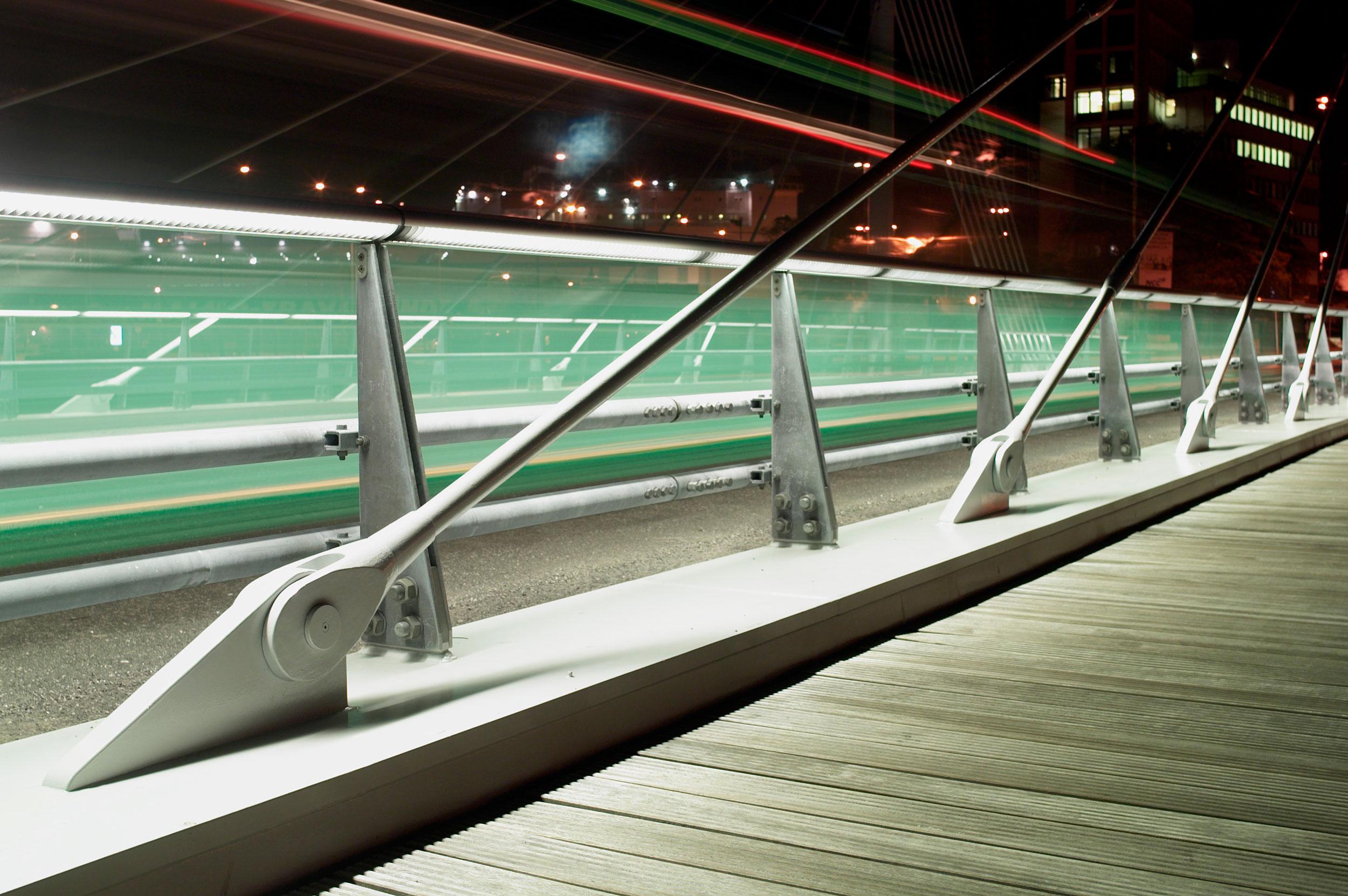 _malmoe-university-bridge-(9).jpg