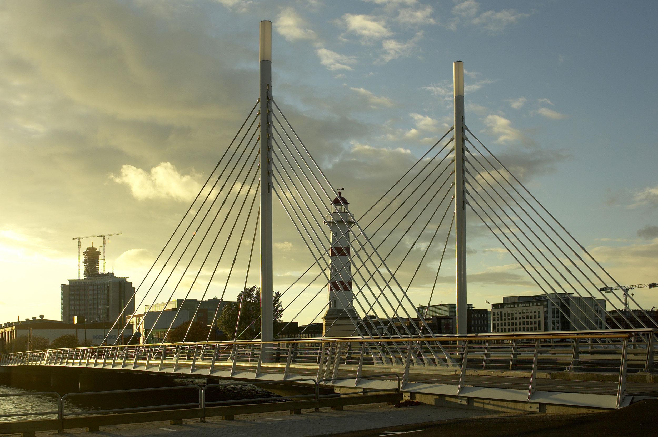 _malmoe-university-bridge-(5).jpg