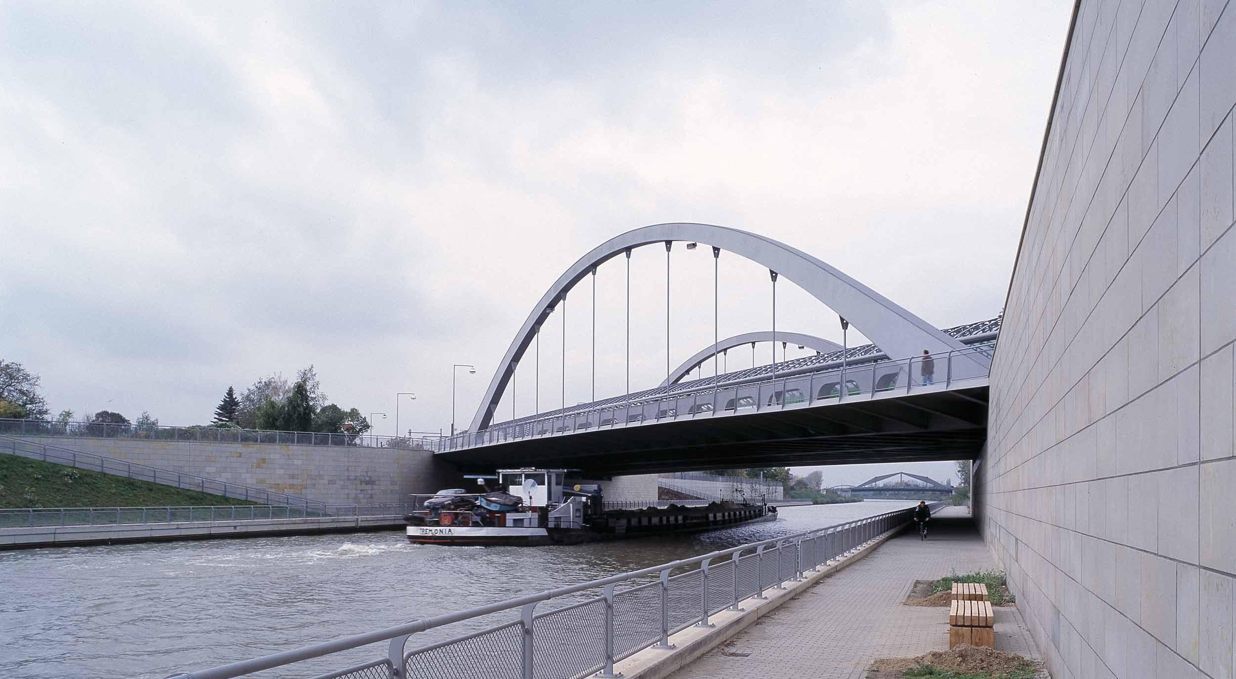Mittelland-DW-5121-04-H.jpg