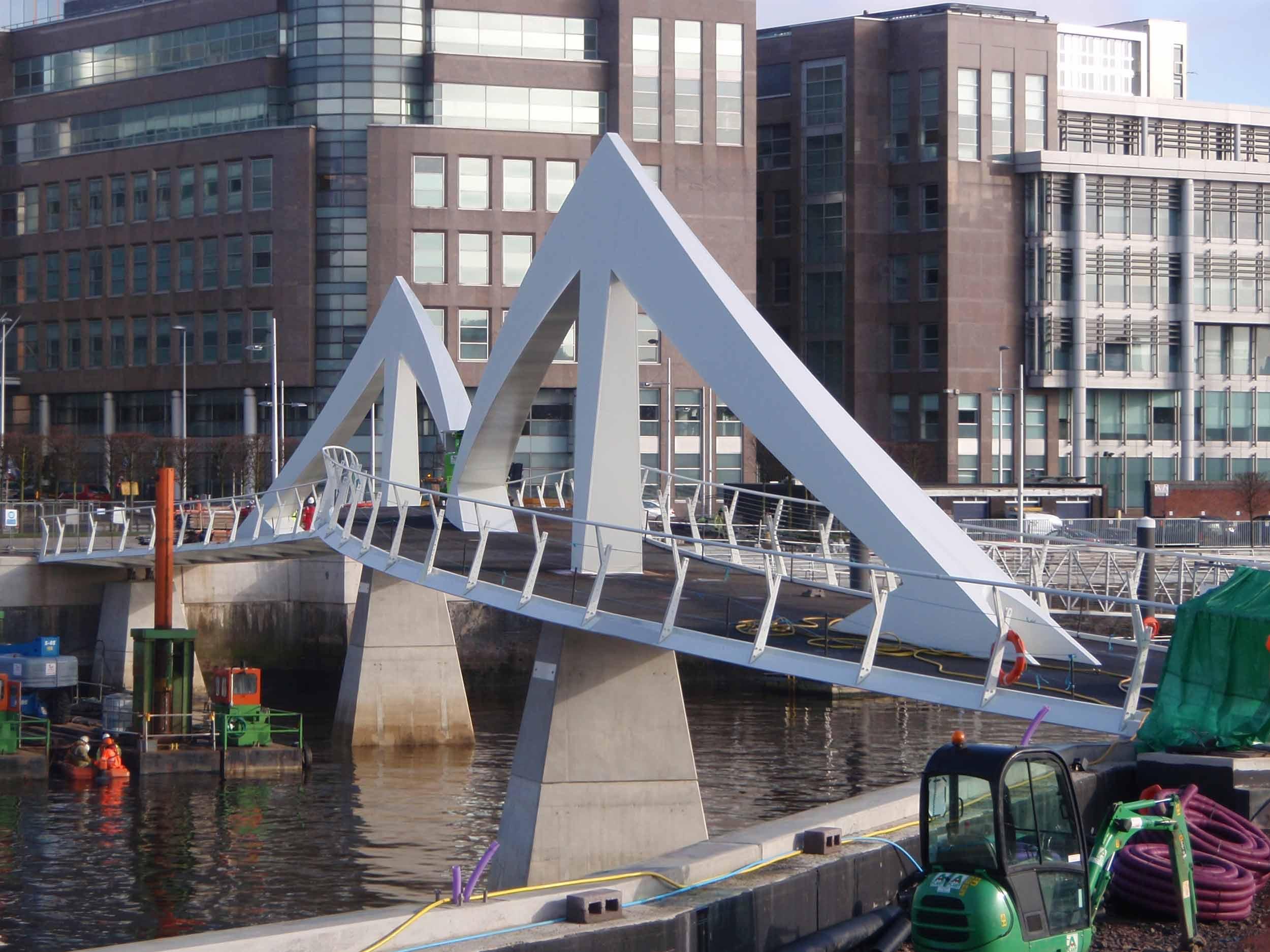 Tradeston-Bridge-2008-103.jpg