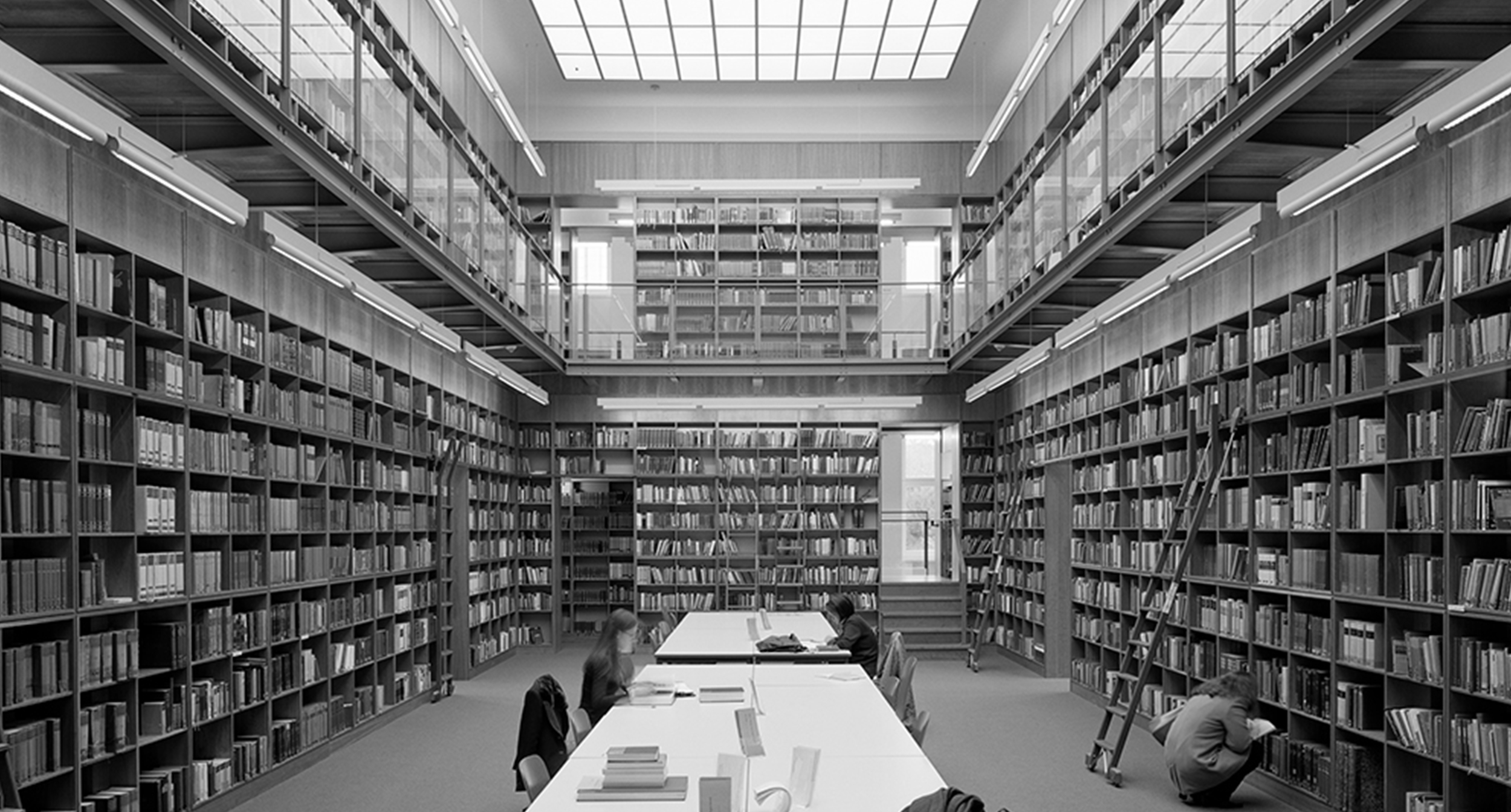 iF-Award, Industrie Forum Design Hannover 2000   A Luminaire Series at the library of  Goethe University  in Frankfurt received the iF-Award by Industrie Forum Designer Hannover.