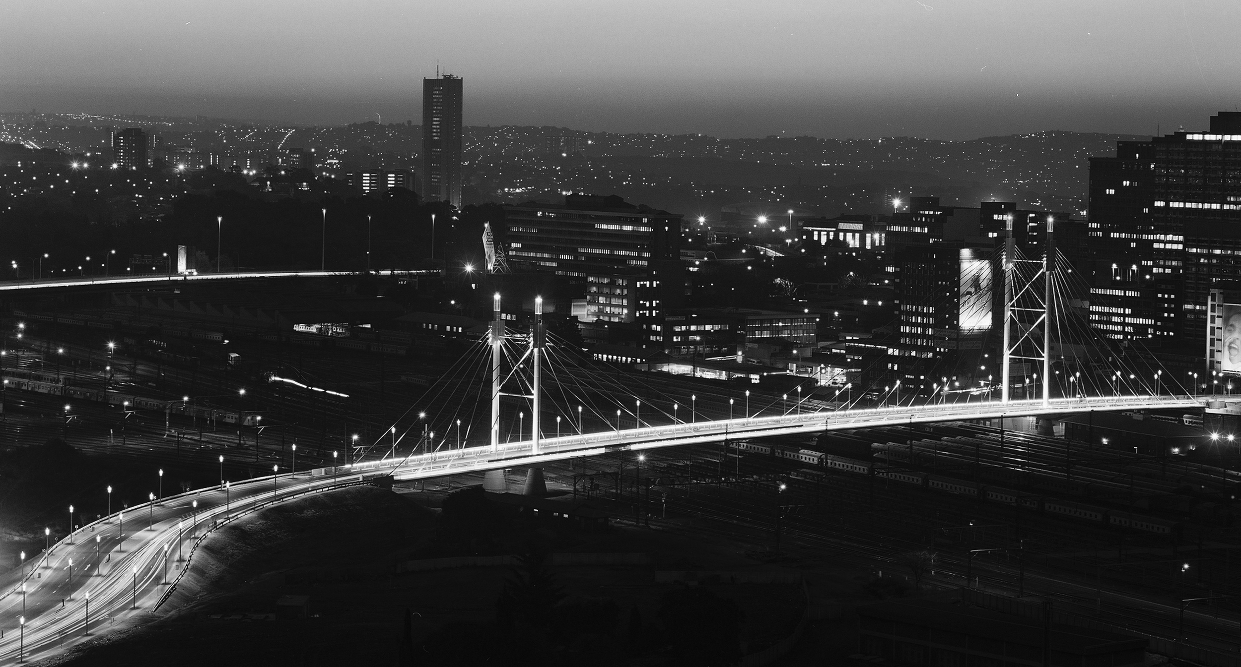 """South African Institute of Steel Construction 2003    Nelson Mandela Bridge  is selected as the overall winner by the South African Institute of Steel construction in the category """"bridge design""""."""