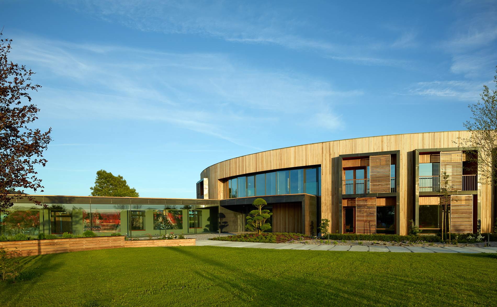 ECCO Hotel and Conference Centre    Download image
