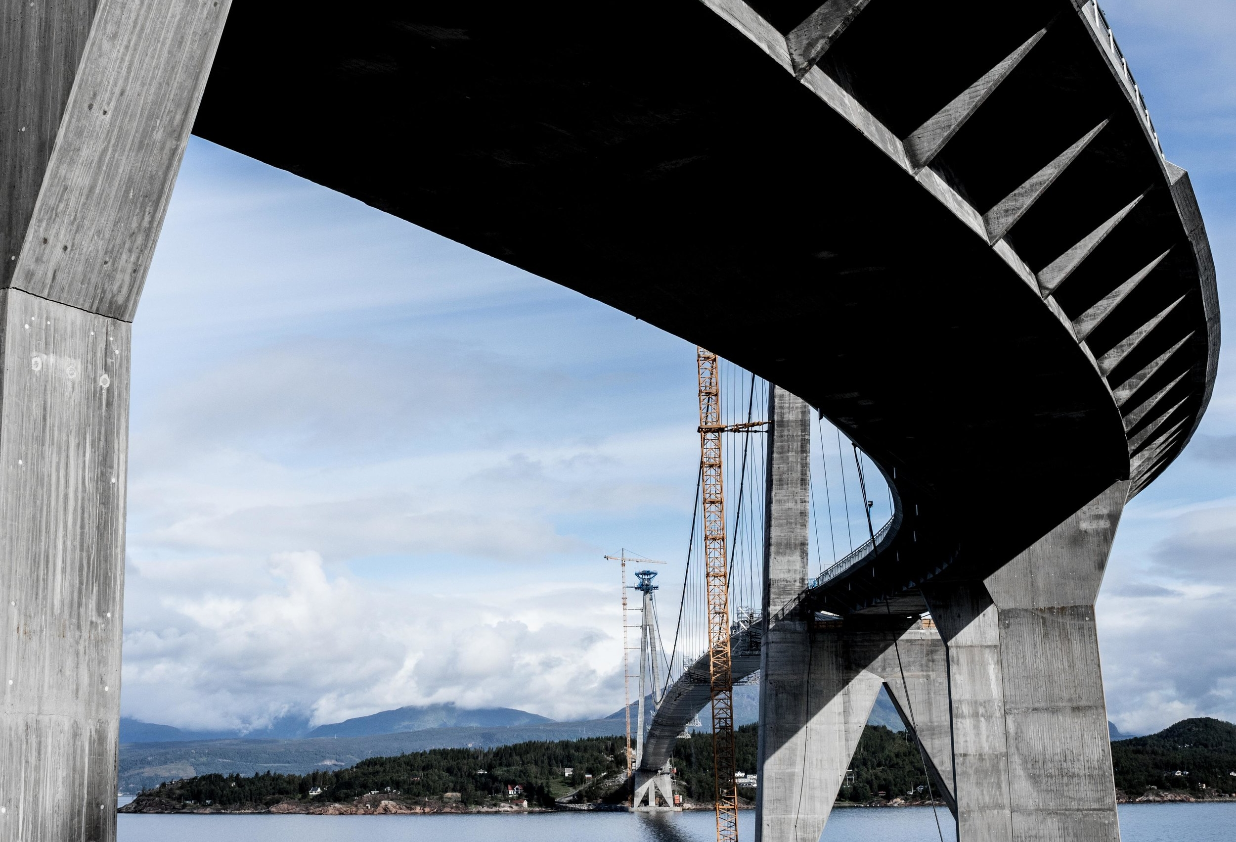 After more than 5 years of construction – the Hålogaland Bridge is open for traffic.