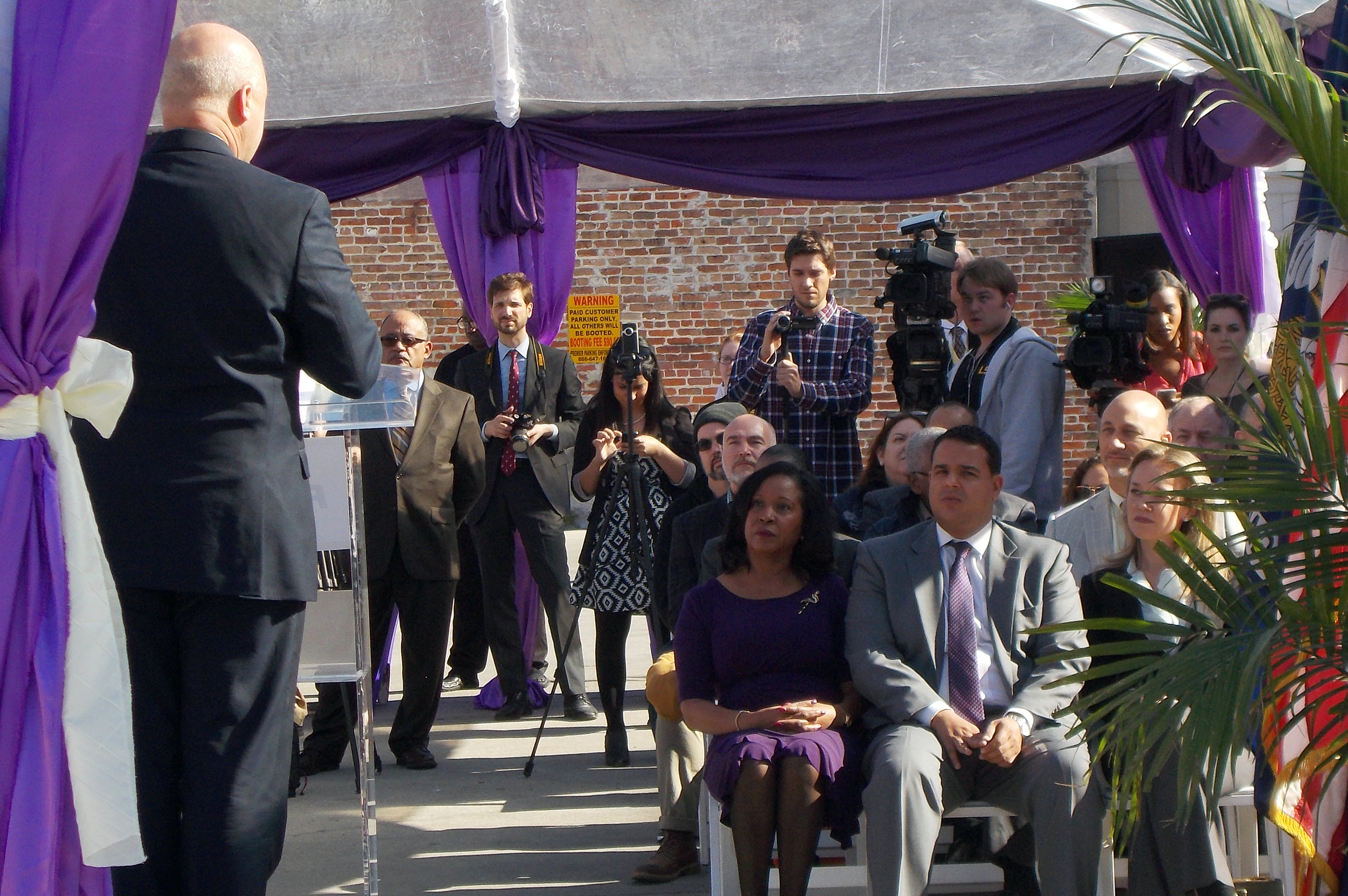New Orleans Mayor Mitch Landrieu gives a speech at the ground breaking ceremony for the Regional Transit Authority's Rampart Streetcar Line Wednesday, January 28, 2015.