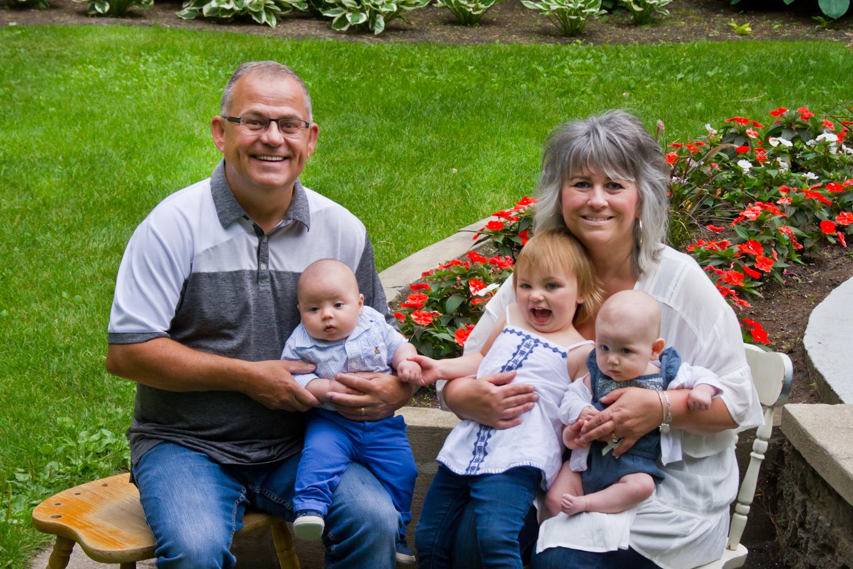 Saskatoon-Family-Photographer-14.jpg