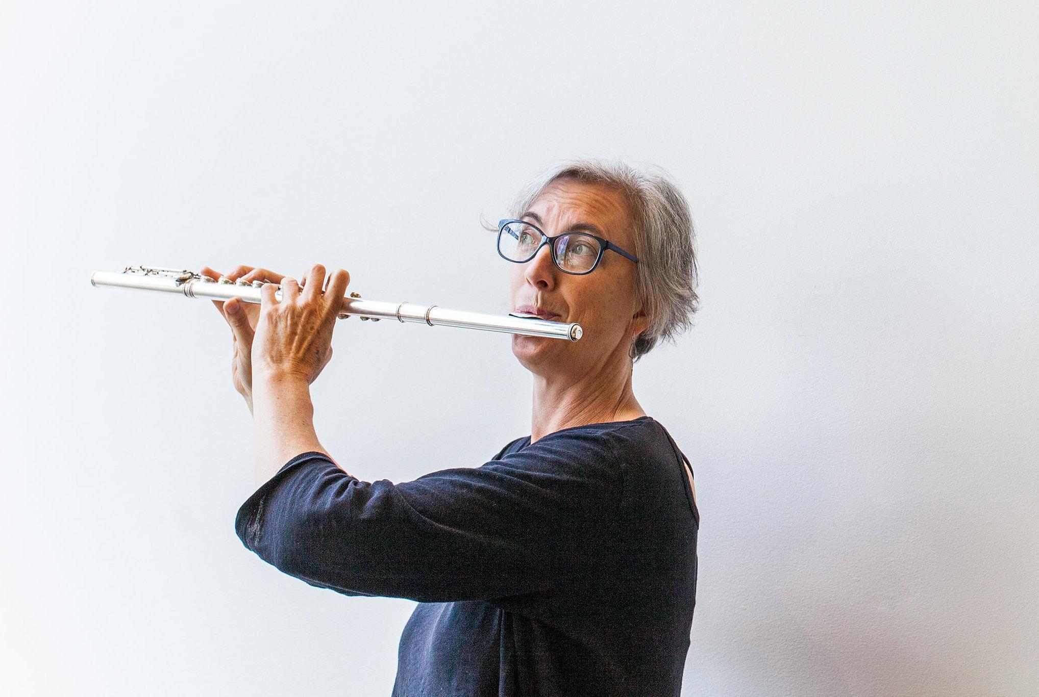 Stacey Pelinka, flute. photo: Vivian Sachs