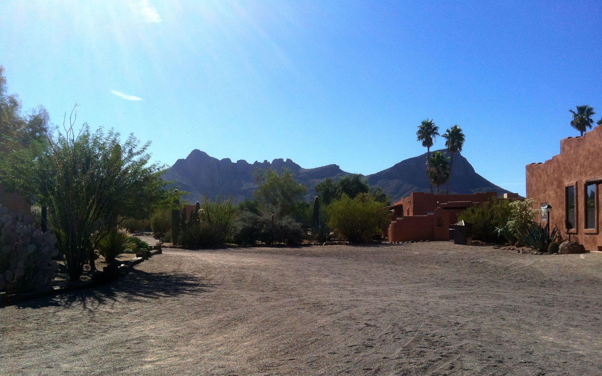 Auf dem Areal der White Stallion Ranch.