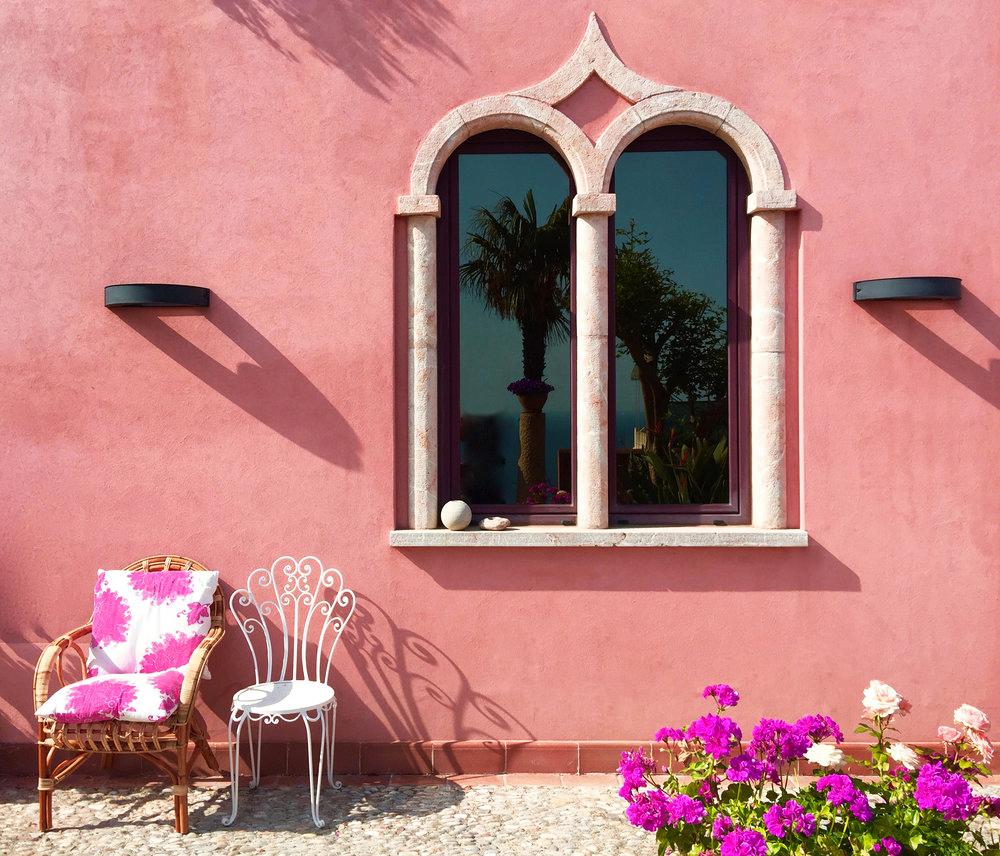The family house frontage of Villa Scimone