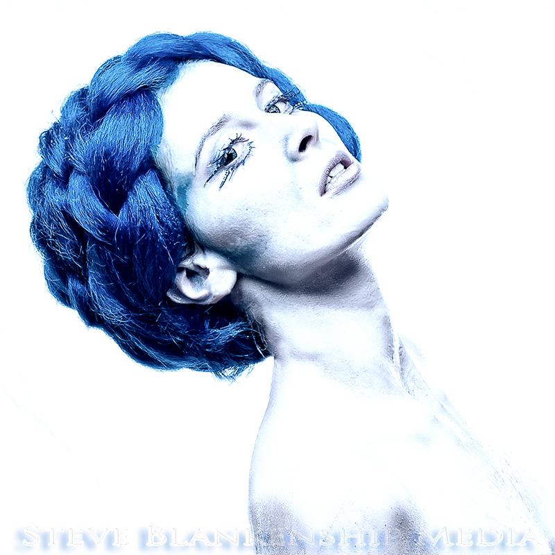 2012-10-14_Ice_Queen-188.bleach.800.jpg