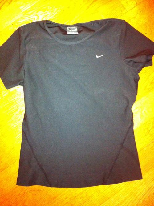 Nike Dri Fit trøye. Str 38/40, M.