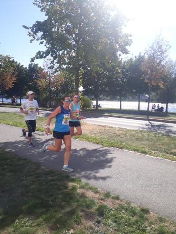 Line løp 5 km og var snill som heiet (og tok bilder) ved 9.5 km! Takk:-)