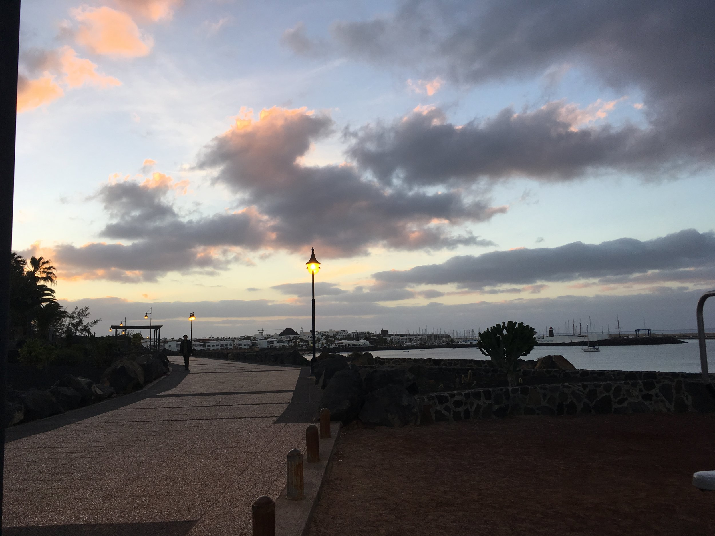 Påskeferien ble lagt til Lanzarote, der var det flott å løpe:-)