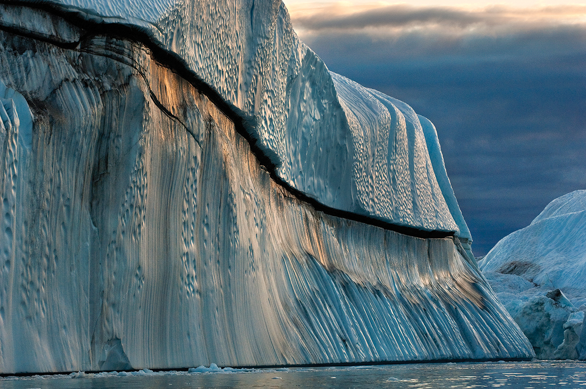 Copper Iceberg, Disko Bay, Greenland, 2007.jpg