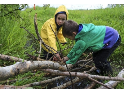 Calgary Herald, July 2015:   New Calgary kindergarten lets kids explore the great outdoors