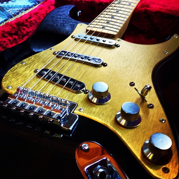 """""""thenah"""" - Fender Stratocaster loaded with brushed  brass anodized pickguard  (bright dip) and CNC precision machined aluminum knobs and switch tip."""