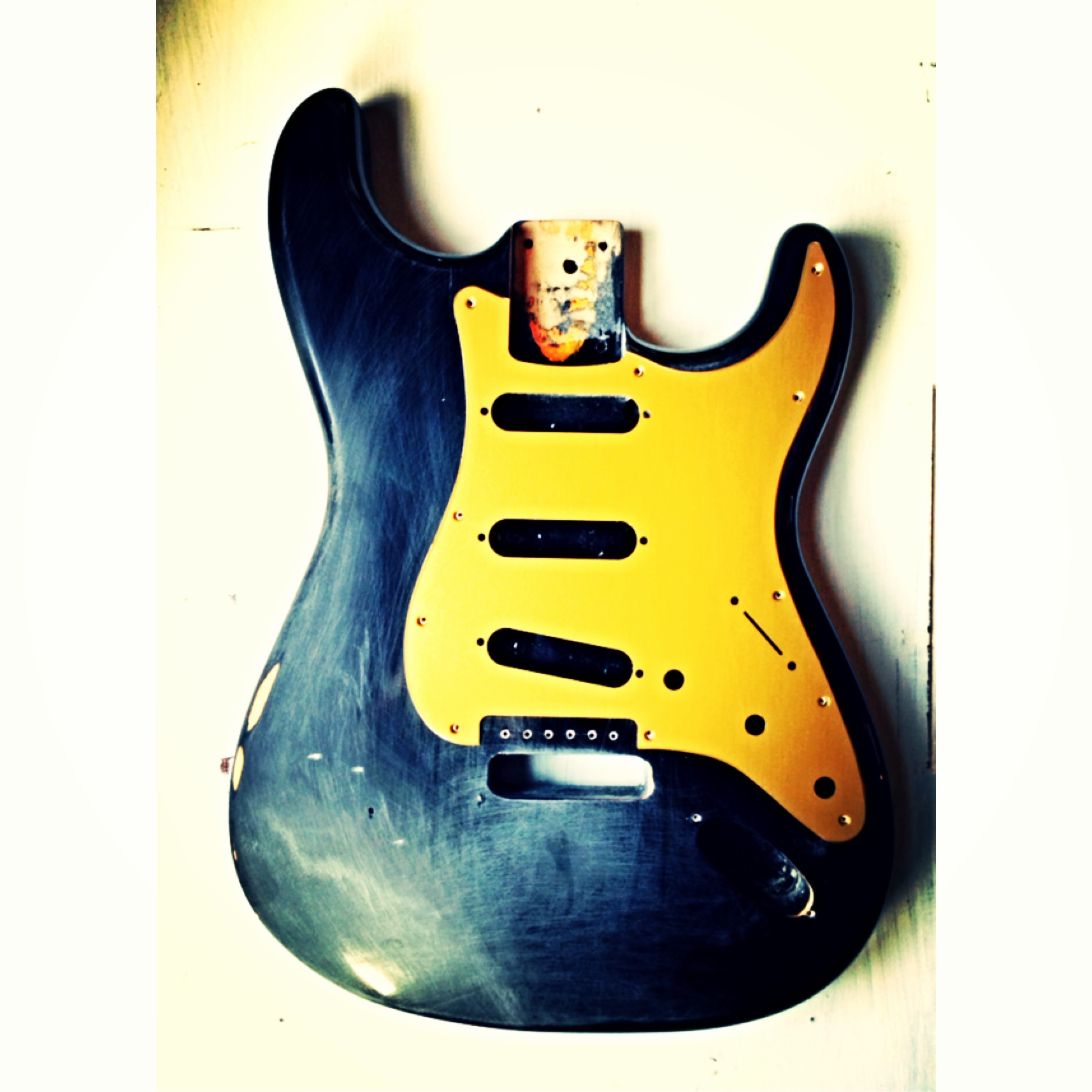 Aluminum Anodized Fender Stratocaster Pickguard. Color Brass.