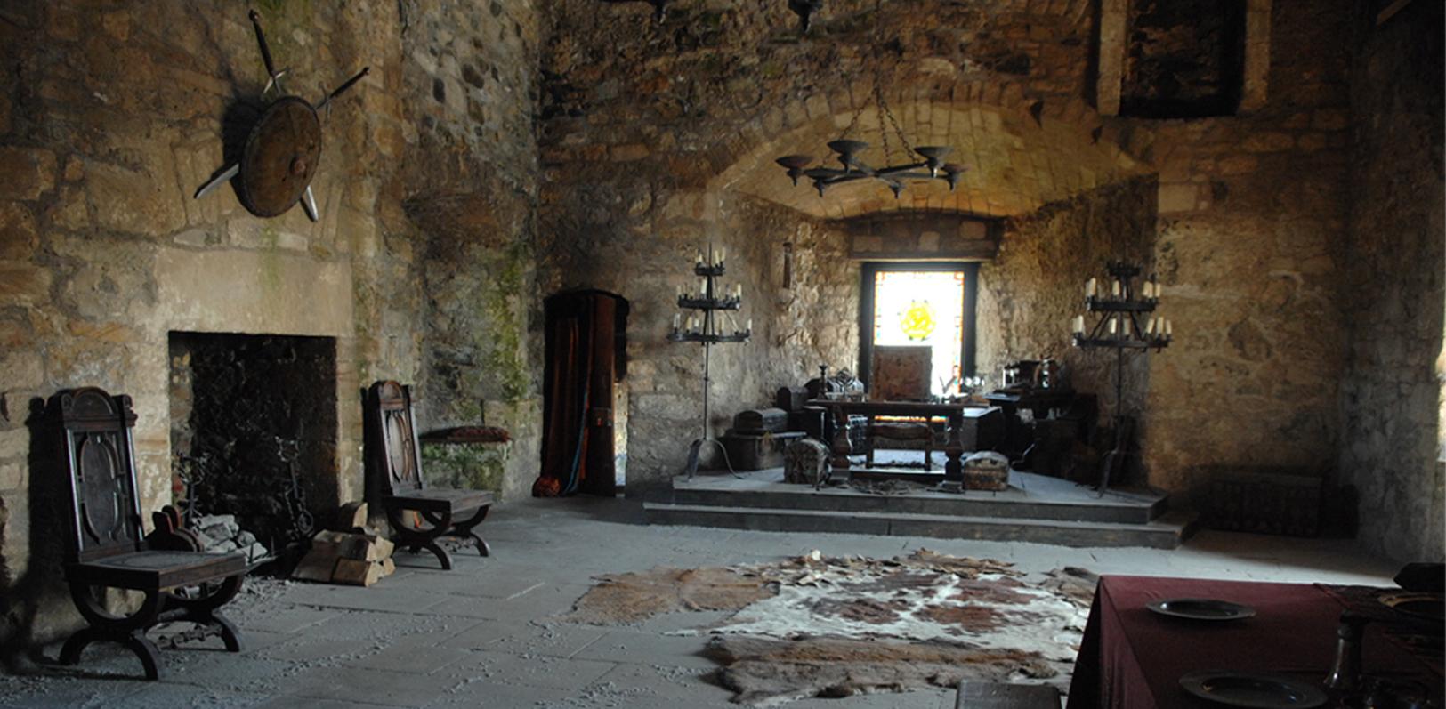 Interior throne room set.
