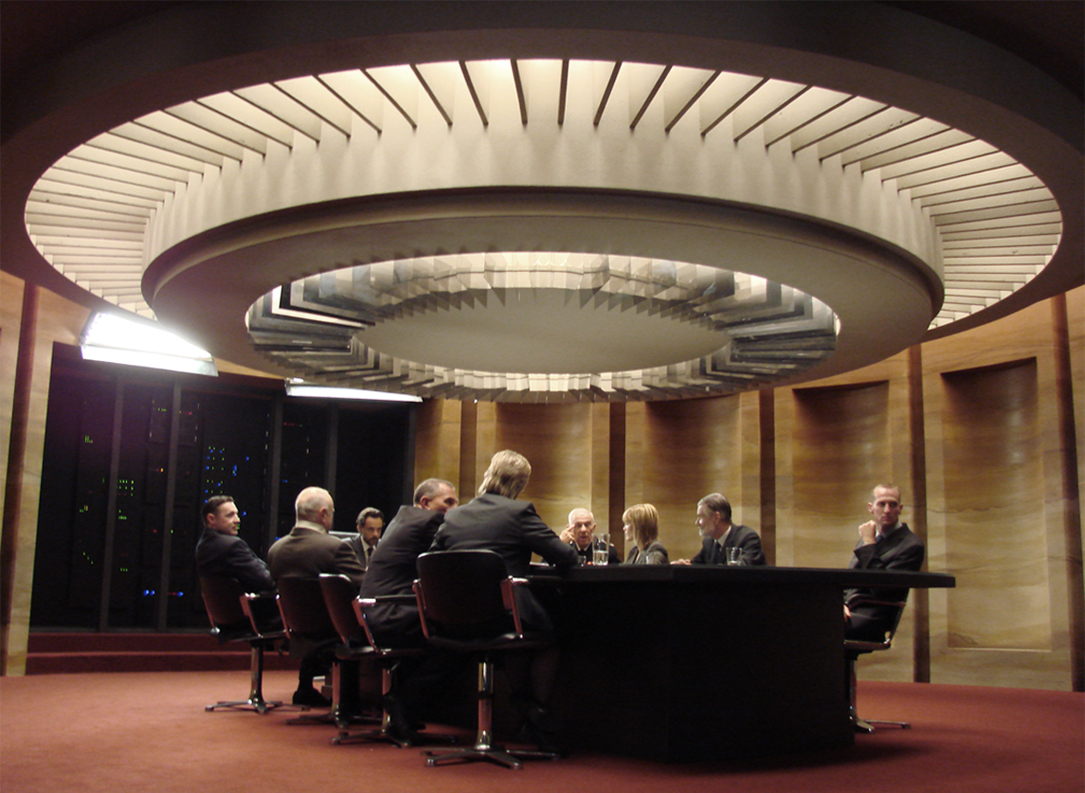 Above: The meeting room, designed with a rear projected central table which displayed maps and data concerning the spread of the virus throughout the country.