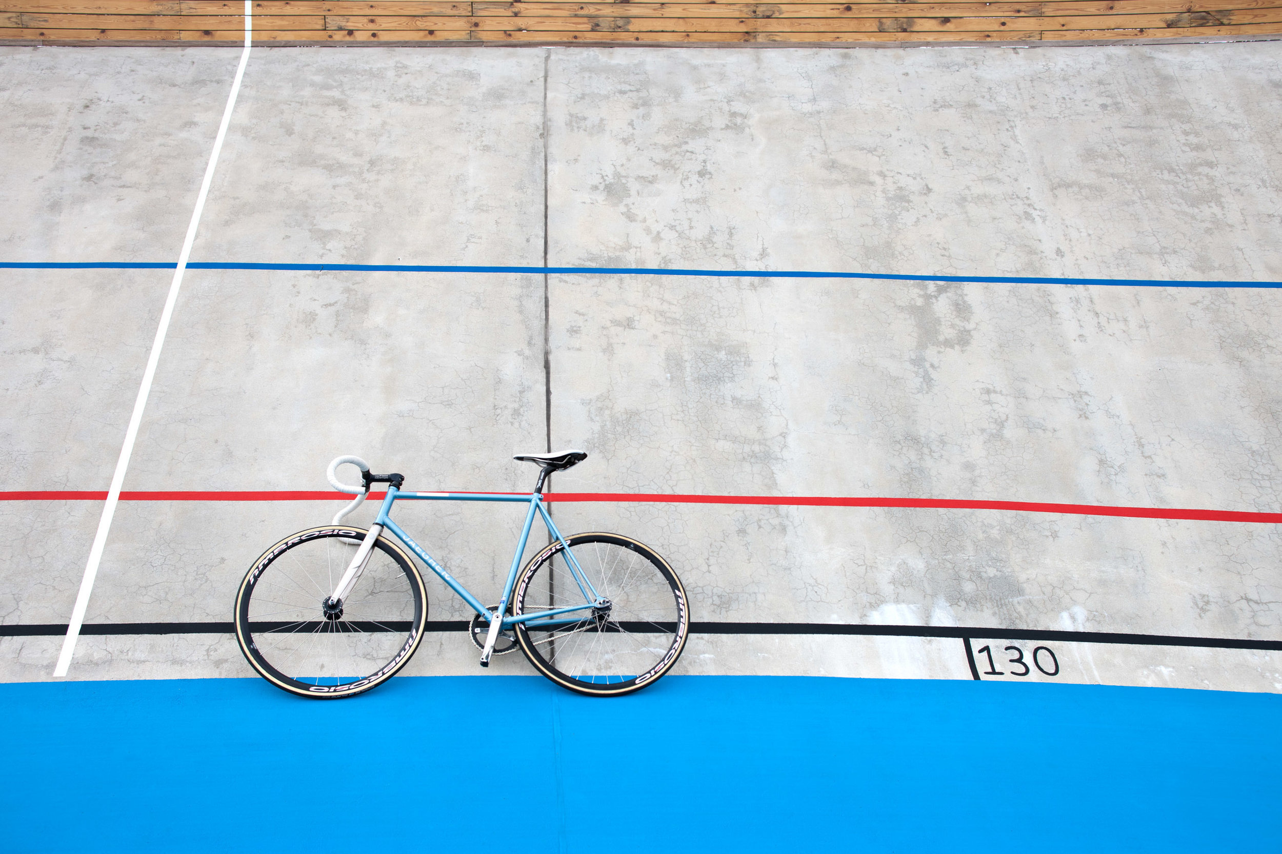 Jaegher-–-Airlight-Steel-Race-Cycles-rennrad-bicycle-minimal-branding-by-jelle-marechal-mindsparkle-mag-15.jpeg